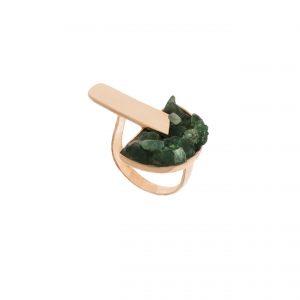 anel tarsila ouro rosé e esmeralda