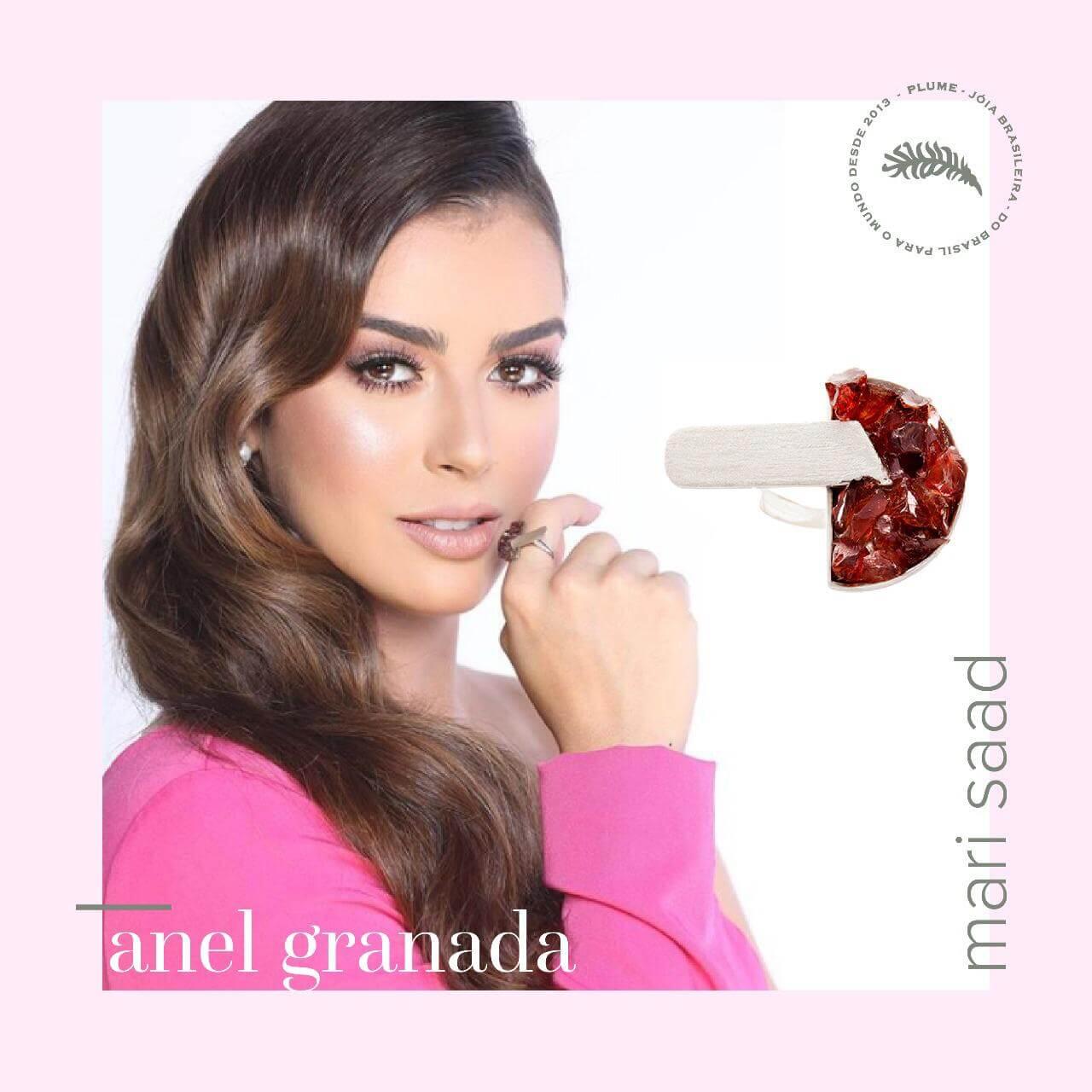 A influencer Mari Saad usando várias de nossas peças