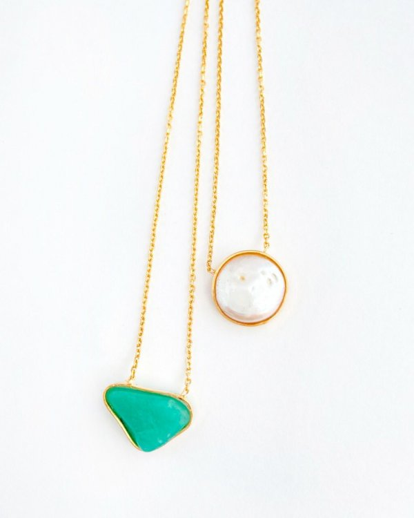 escapulário-pérola-barroca-quartzo-verde-plume-acessórios